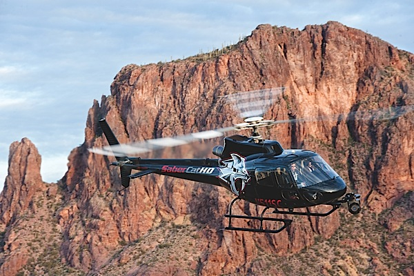 The bold SaberCat graphics gives H5 Productions AS350 B2 a distinctive identity: what company founder Mitch Kelldorf described as a personality, a heart and a soul. That identity is one thing that is helping H5s helicopter become a sought-after platform for aerial filming and charter work in the Desert Southwest.