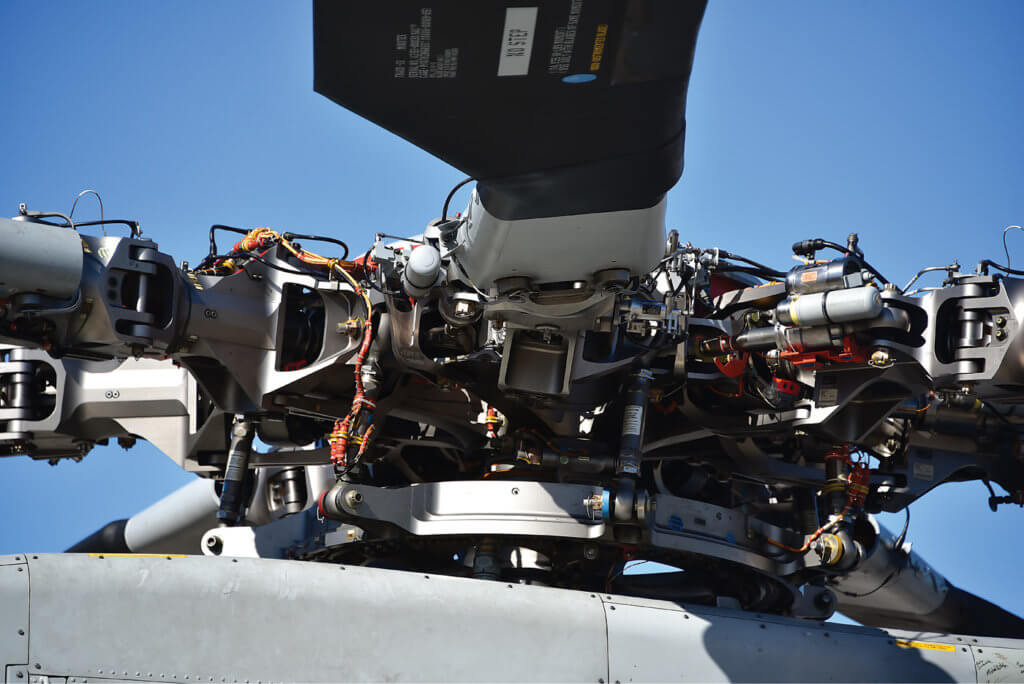 The CH-53K has an elastomeric main rotor hub and new composite rotor blades, which eliminate the pressurized spar found in earlier CH-53 models.