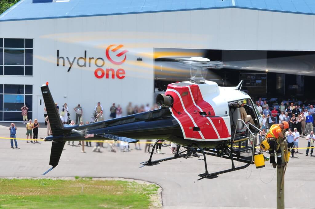 A Hydro One crew demonstrates the use of an external AirStair platform. Mike Reyno Photo