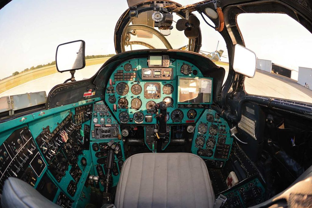 The pilot's compartment contains all flight instruments and controls, plus PKV and S-17 weapons sights. Skip Robinson Photo