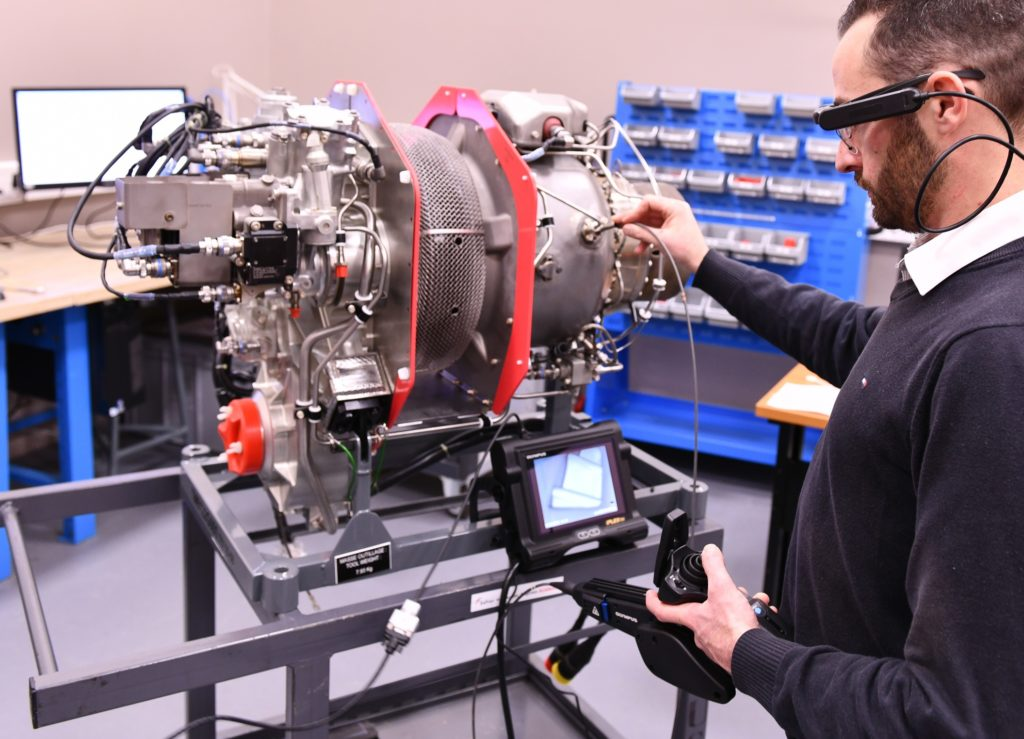 Expert link is a new video assistance service that allows Safran customers to connect, through a secure, live video feed, with Safran Helicopter Engines experts to help with technical diagnosis or guidance through a maintenance task. Safran Helicopter Engines Photo