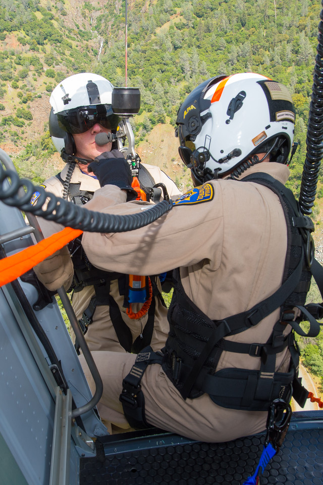 CHP flight officers practice transitions into and out of the helicopter during training evolutions. Dan Megna Photo