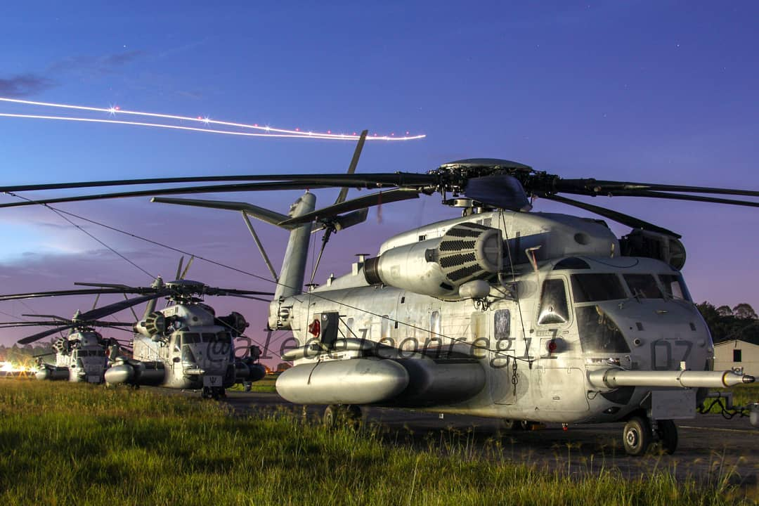 Three Sikorsky CH-53s sit single file. Photo submitted by Instagram user @aledeleonregil using #verticalmag