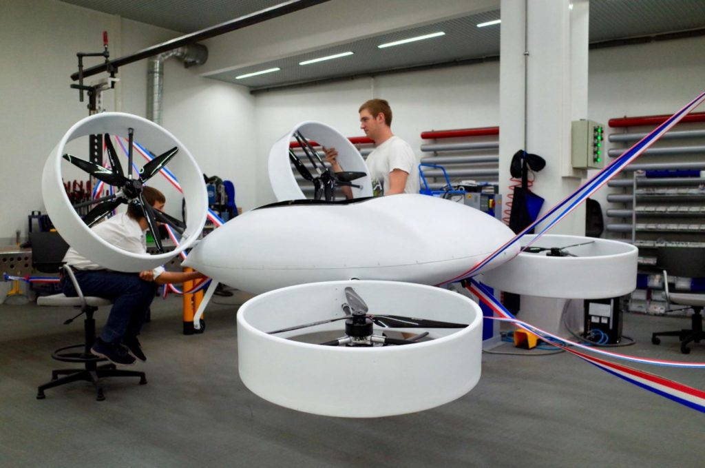 Assembling the taxi prototype at the Prototyping Center of NUST MISiS. NUST MISiS Photo