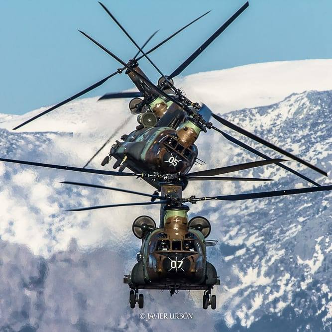 Three Chinooks in a row. Photo submitted by Javier Urbon (Instagram user @javier_urbon) using #verticalmag