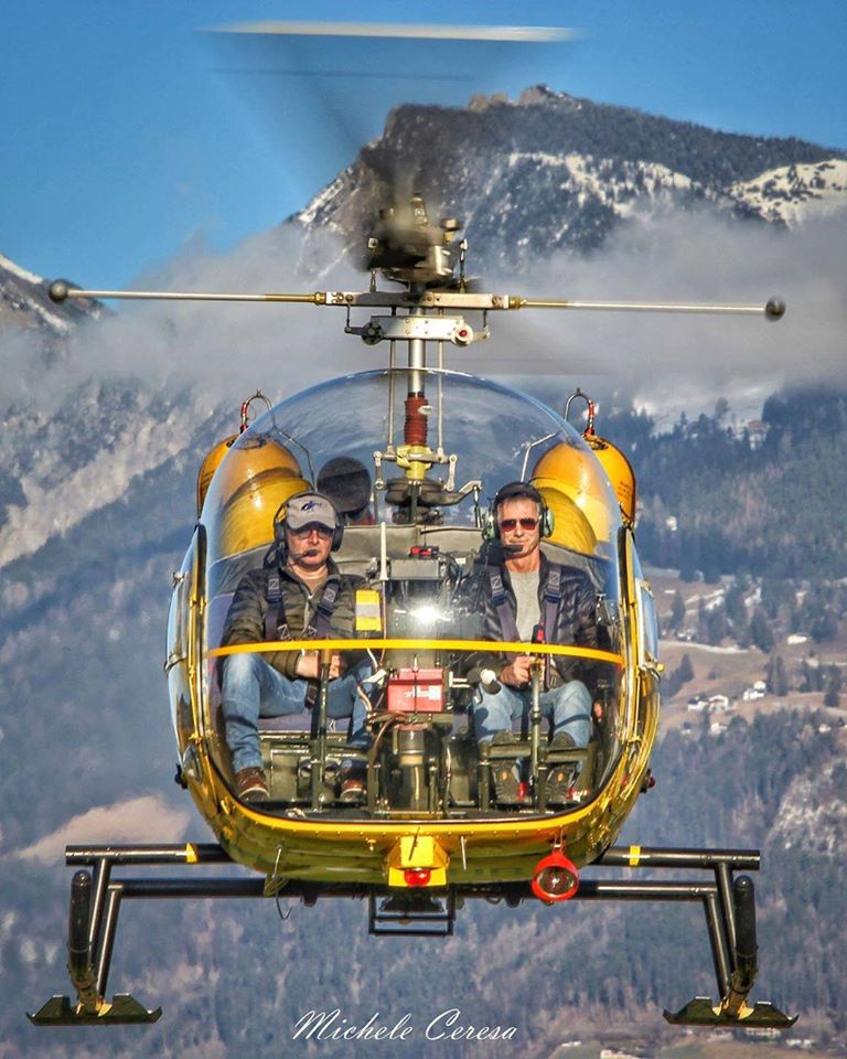 Face to face with a Bell 47. Photo submitted by Michele Ceresa (Instagram user @helicopterphotosmicheleceresa) using #verticalmag