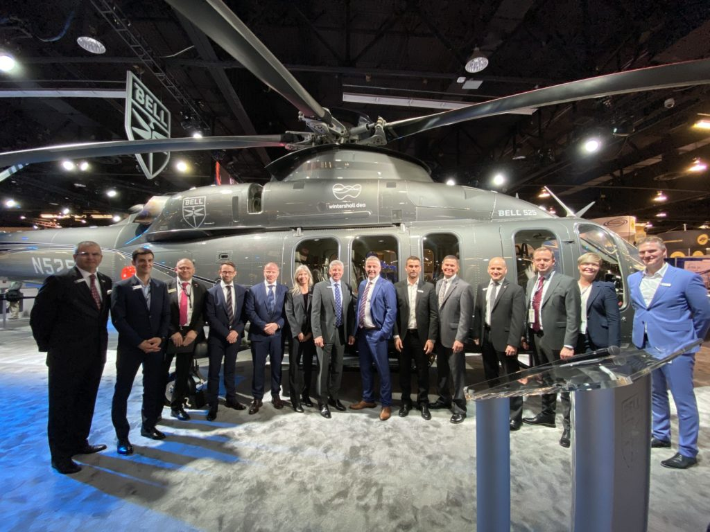 Bell and Wintershall Dea met at HAI 2020 in front of the Bell 525 aircraft to commemorate their relationship. Bell Photo