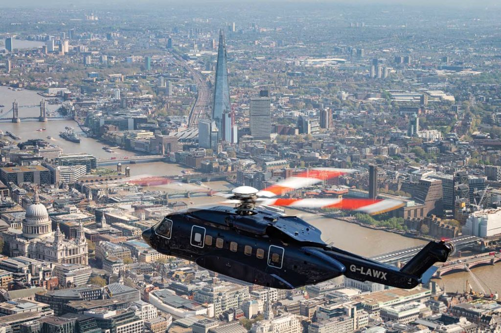 Starspeed's unique VIP Sikorsky S-92 flying through the heli lanes in London, U.K. Lloyd Horgan Photo