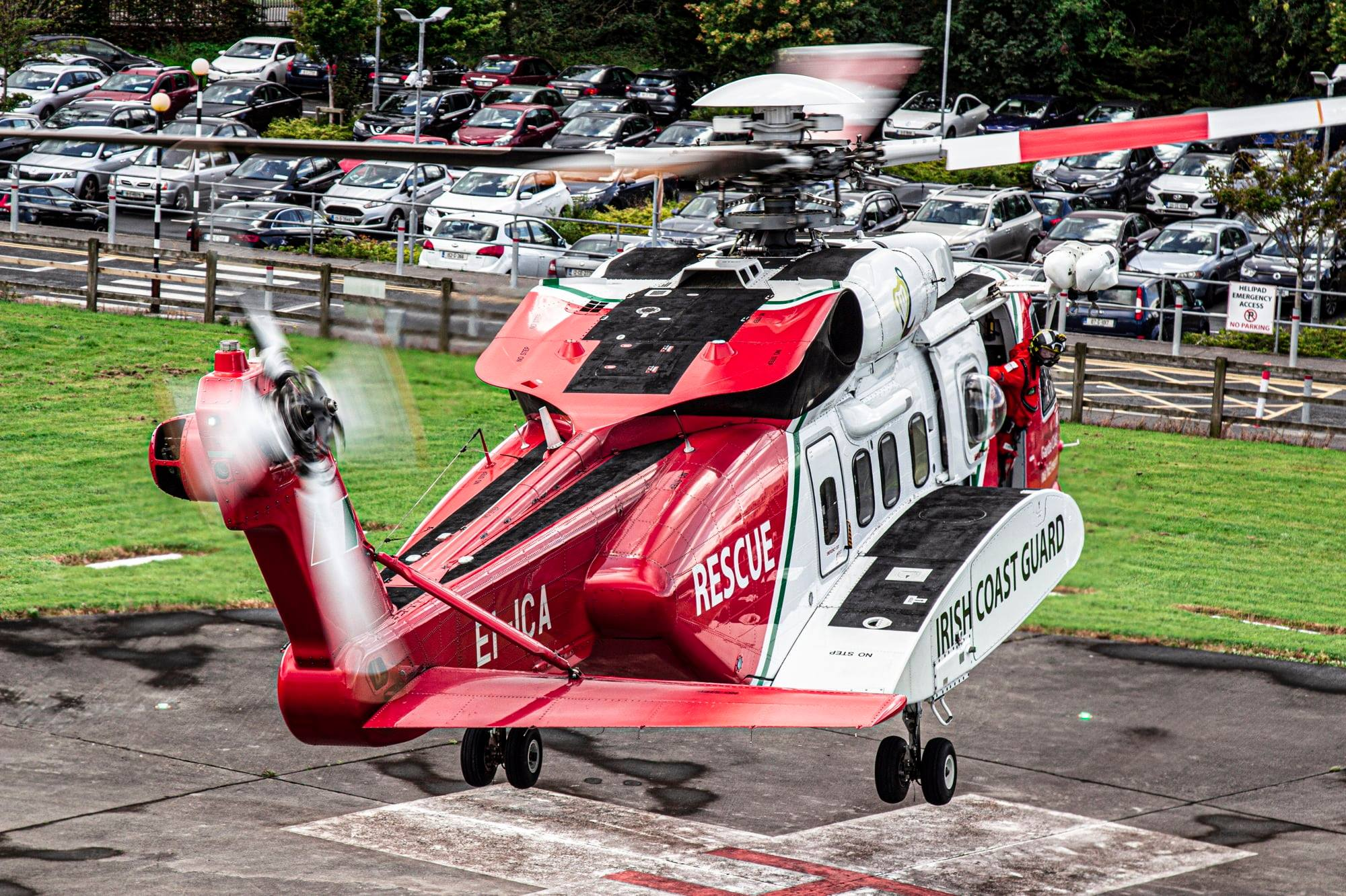"""Irish Coast Guard Sikorsky S-92 """"Rescue 115"""" departing University Hospital Galway following a successful rescue mission. Photo submitted by David McGrath"""