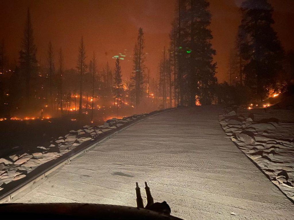 Creek Fire rescues - cockpit view
